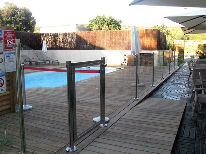 garde corps piscine vitr m tallerie inox alu concept. Black Bedroom Furniture Sets. Home Design Ideas